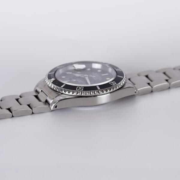 rolex-submariner-date-16610-1991-2