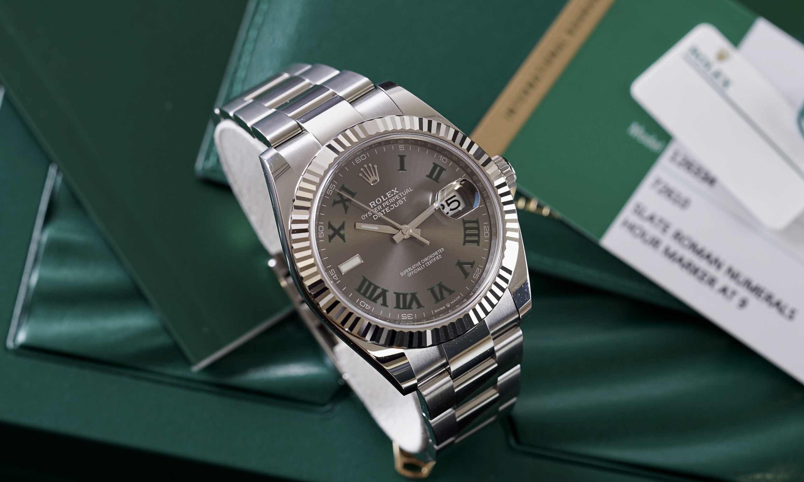 should-you-buy-a-new-or-pre-owned-rolex-watch-in-2021