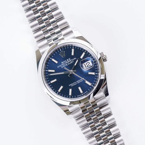 rolex-oyster-perpetual-datejust-blue-126200-2021-full-set