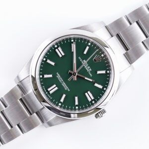 rolex-oyster-perpetual-green-124300-2021-full-set